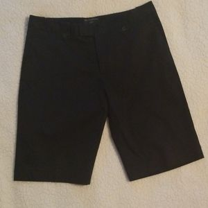 Banana Republic women's black Bermuda short